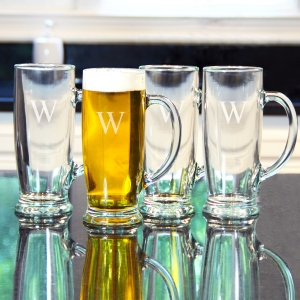 Craft Beer Mug Set is a great men's gift.