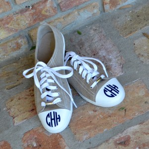 Add a monogram to your sneakers!